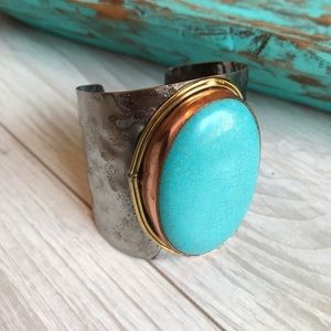 Jewelry - Turquoise stone cuff bracelet